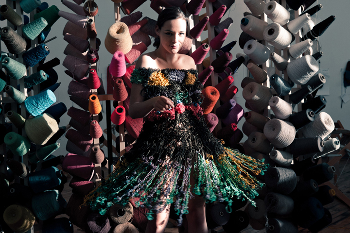 Dress made of rubber bands _Bounce Rubber Bands